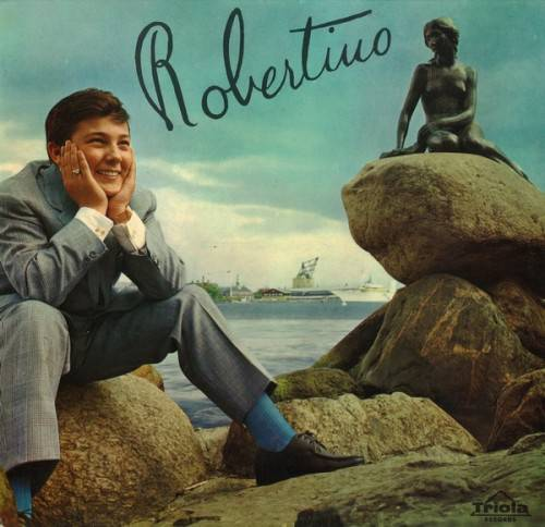 Robertino Loretti at the beach