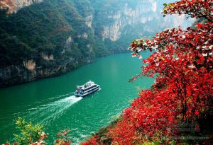 sailing on yangtze river